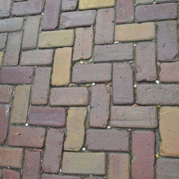 Oude Klinkerkei paars brons Rotterdam